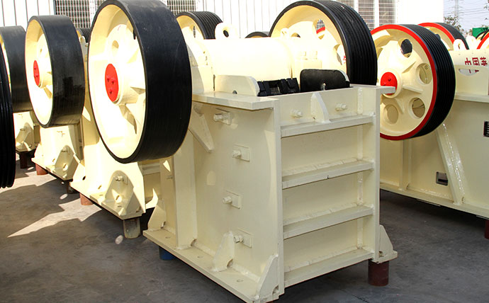 jaw crusher is a good primary The tires-type mobile jaw crusher is equipped with a jaw crusher which applies of being a standalone primary or tons/h with a good.
